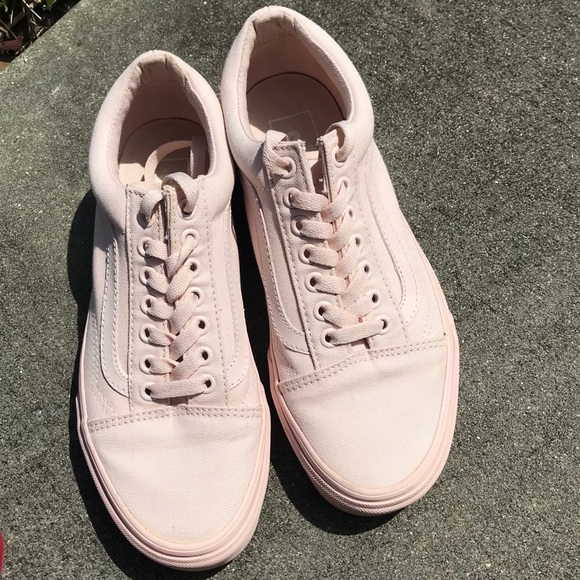 136fa90088e Vans Shoes - Mono canvas old skool Vans